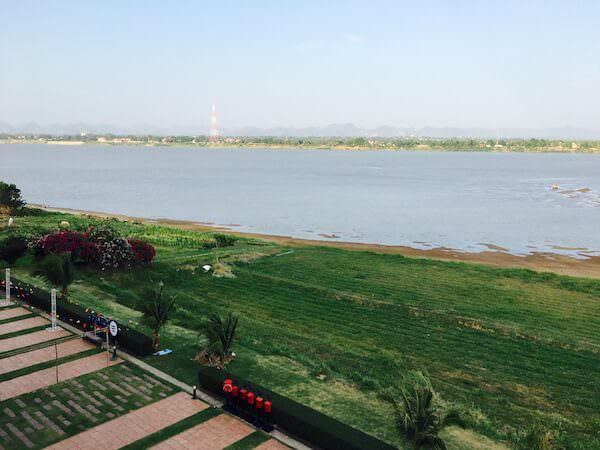 ザ リバー ホテル (The River Hotel)の客室から見えるメコン川