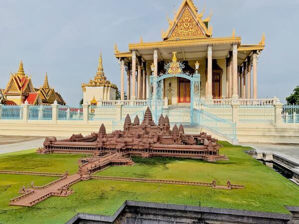 王宮にあるアンコールワットの模型