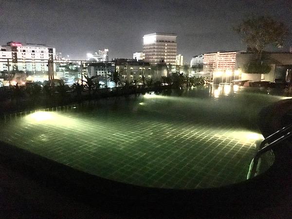 ザ サン エクスクルーシブ ホテル (The Sun Xclusive Hotel)のプール