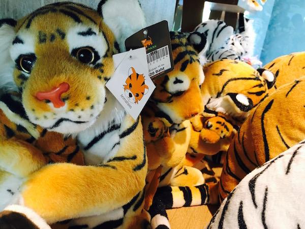 タイガーパークパタヤのお土産コーナー3