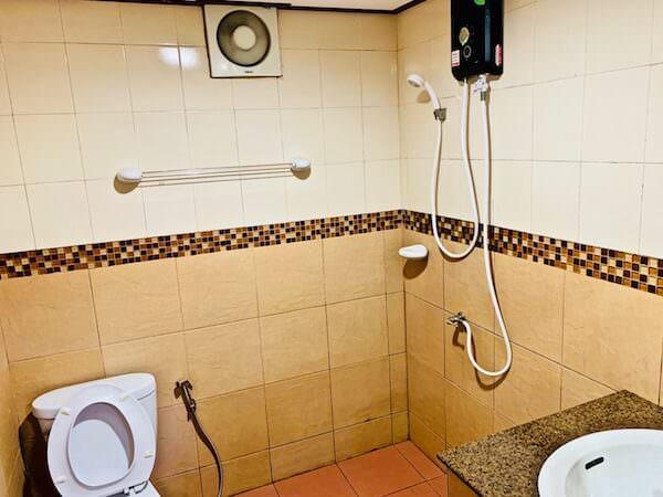トンサックリゾート(Tonsak Resort)のシャワールーム