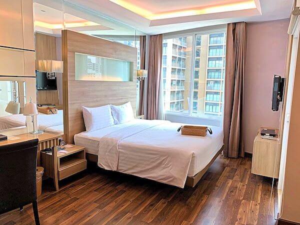 V レジデンス ホテル アンド サービスド アパートメント(V Residence Hotel and Serviced Apartment)のベッドルーム1