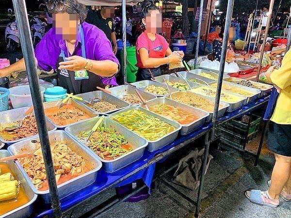 ワンムック市場(Wang Mook Market)の食べ物売り場