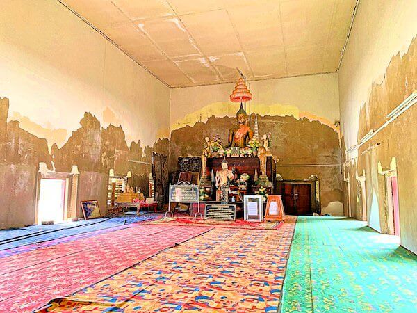 ワット・クン・サムット・チン(Wat Khun Samut Chin)の中