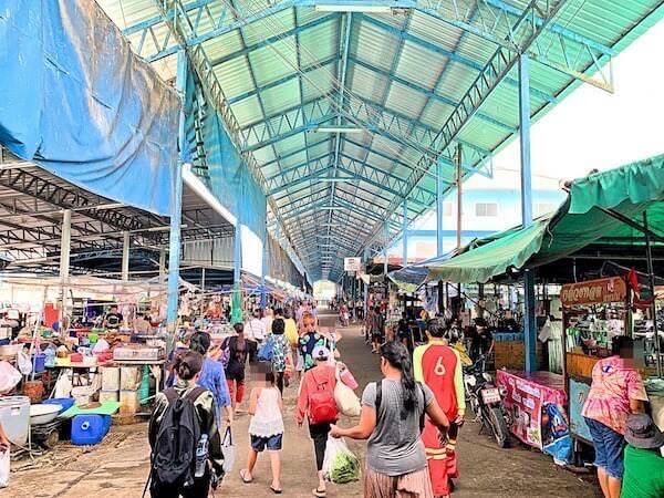 プラサムット・チェディーの市場