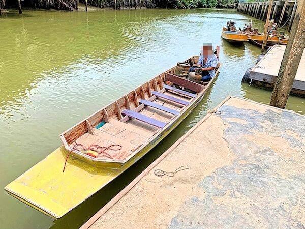 ワットクンサムットチンへ行くボート