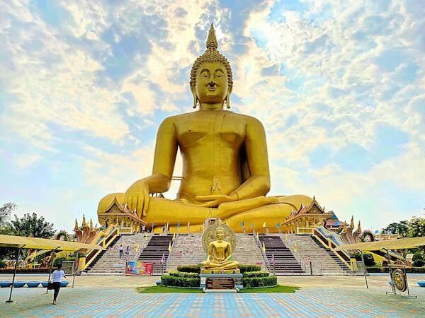 ワットムアンにあるタイ最大級の仏像1