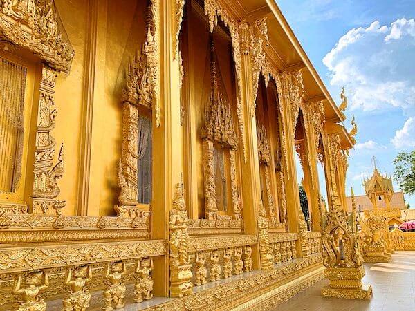 ワットパクナム ジョーロー(Wat Paknam Jolo)の仏堂3