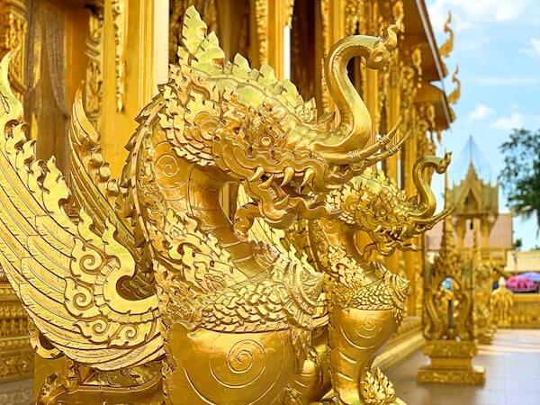 ワットパクナム ジョーロー(Wat Paknam Jolo)仏堂の装飾2