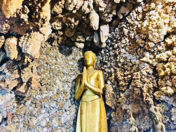 ワットパーヤップ内の仏像