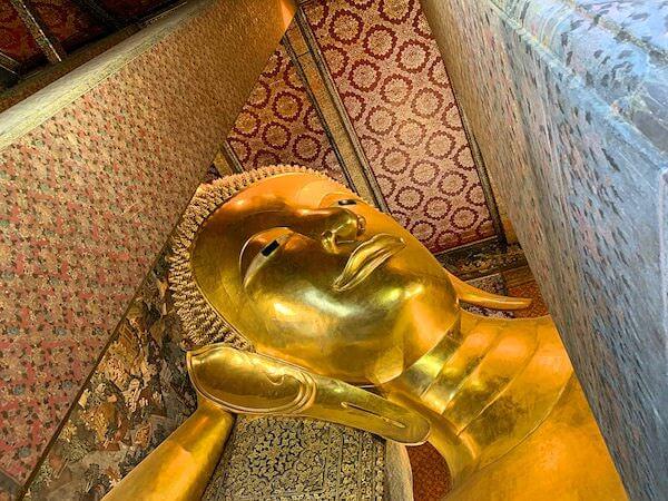 ワットポーの涅槃仏の顔