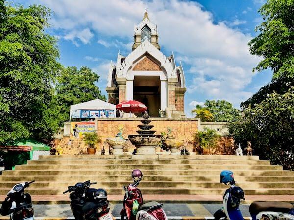 ワット・サーラーローイ(Wat Sala Loi)