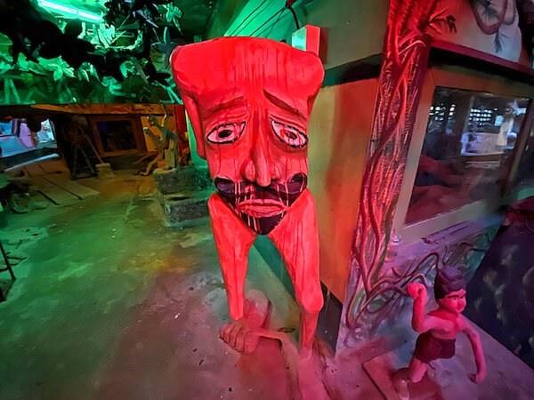 ワットプートウドムの地獄エリアにある無頭人