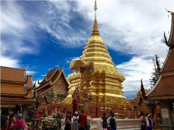 ドイステープ寺院の仏塔