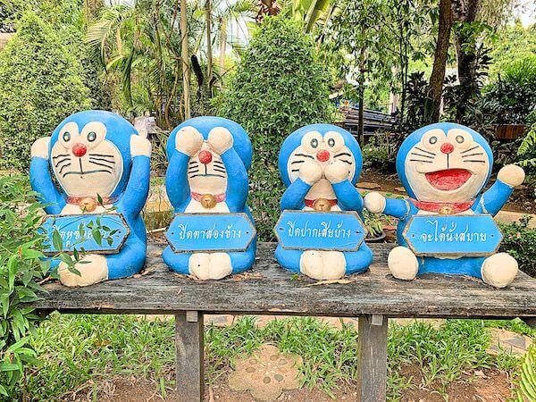 ドラえもん寺にある三猿を模したドラえもん