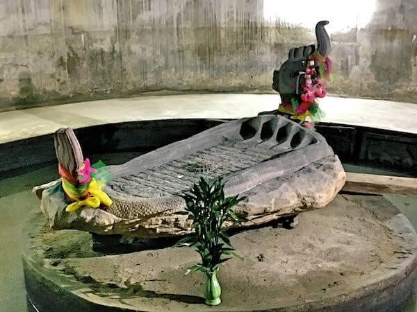 ワットサムプランの仏足石