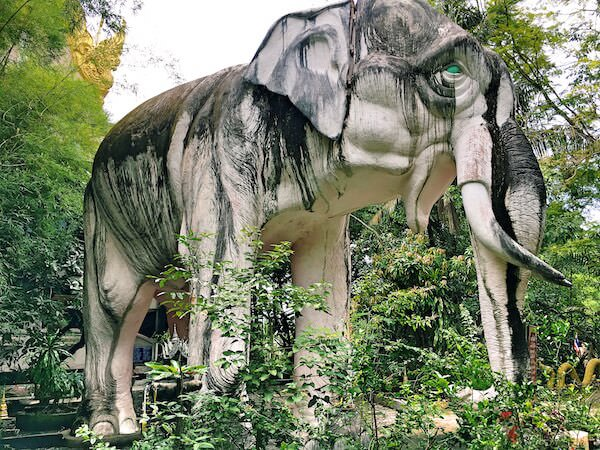 ワットサムプランにある巨大な象