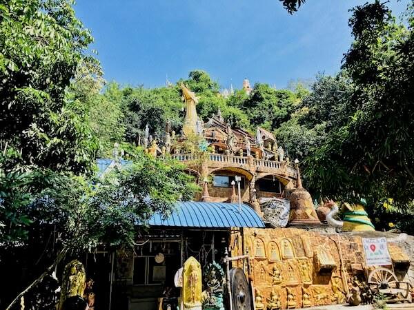 Wat Simalaisongthamの外観