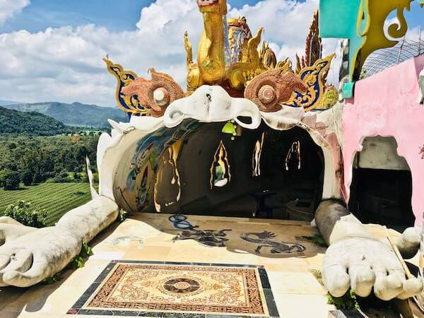 Wat Simalaisongthamの頂上3