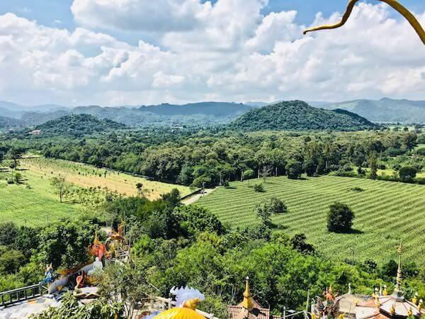 Wat Simalaisongthamの頂上の頂上から見える景色