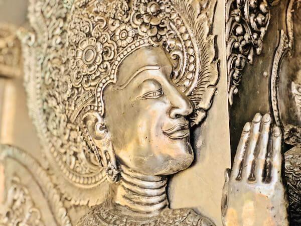 【銀の寺】ワット・シー・スパン(Wat Sri Suphan)の銀細工