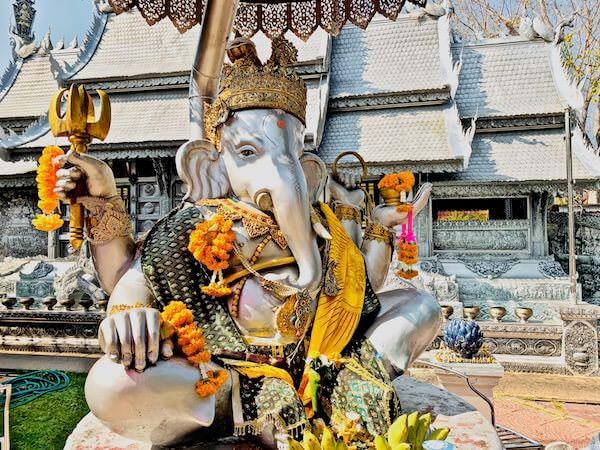 【銀の寺】ワット・シー・スパン(Wat Sri Suphan)のガネーシャ