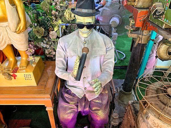 ワット ターカーローン(Wat Tha Ka Rong)に安置されている骸骨の人形