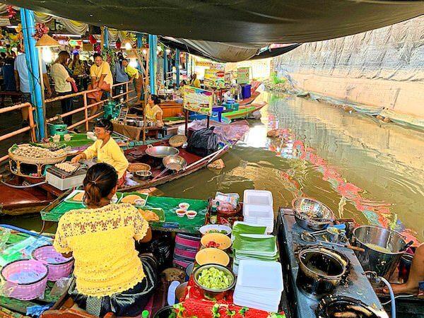 ワット ターカーローン(Wat Tha Ka Rong)の水上マーケット1