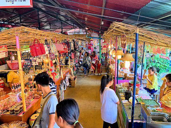 ワット ターカーローン(Wat Tha Ka Rong)の水上マーケット2