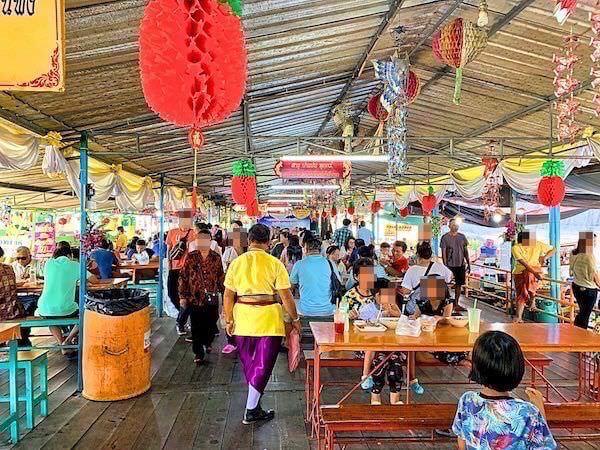 ワット ターカーローン(Wat Tha Ka Rong)の水上マーケット3