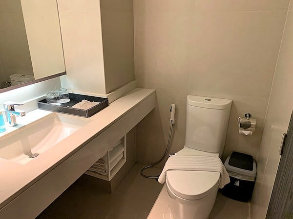 X2 バイブ バンコク スクンビット(X2 Vibe Bangkok Sukhumvit)のシャワールーム2